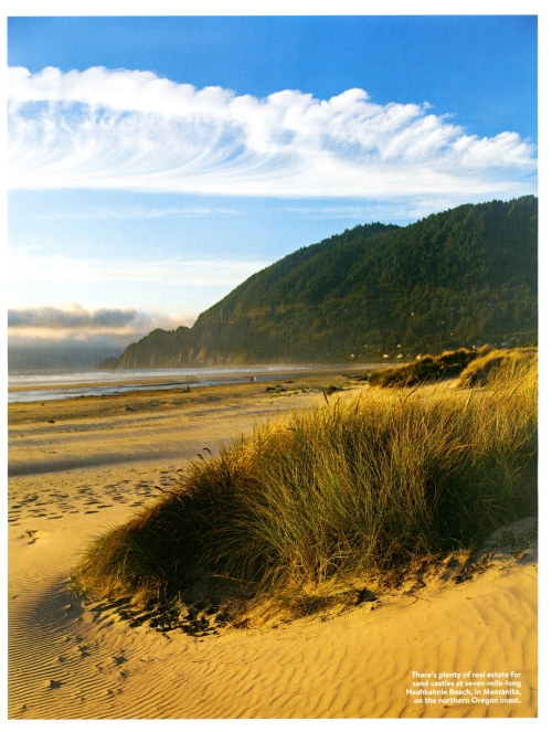 Beautiful clouds mimic the breaking waves at Neakahnie Beach in Manzanita, Oregon